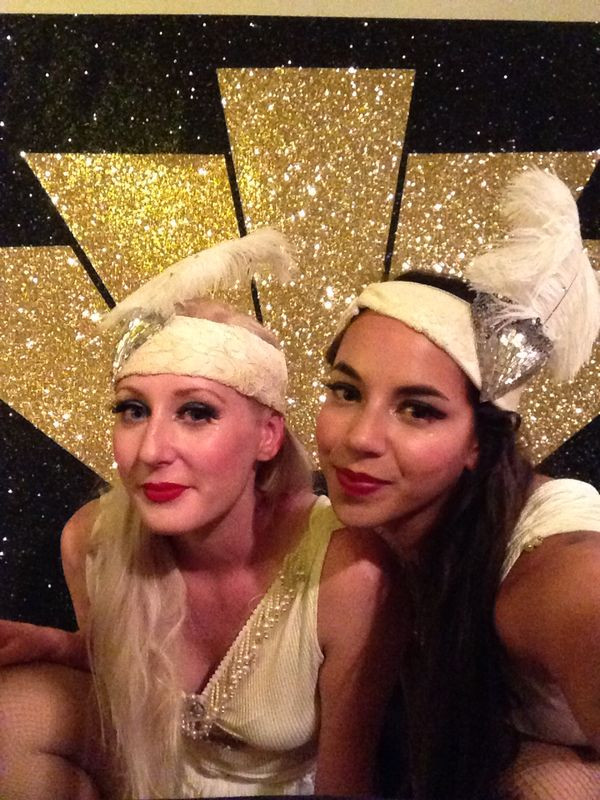 1920s head pieces and makeup