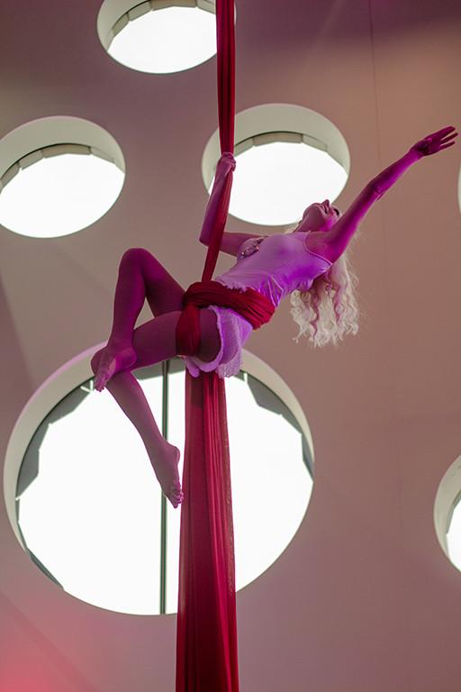 Katie Flapper finish pose by Emily Nolan.jpg