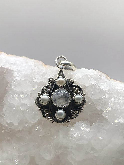 Sterling Silver Moonstone with Pearls