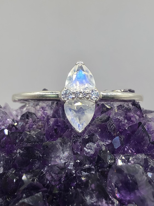 Sterling Silver Moonstone Ring Size 12