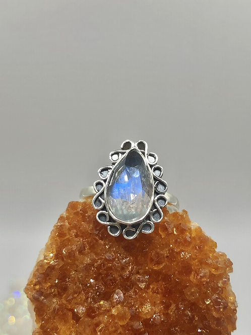 Sterling Silver Faceted Moonstone Ring Size 7.5