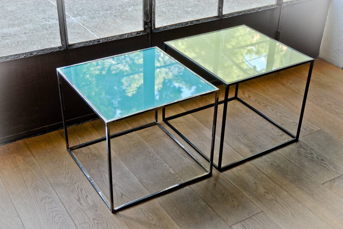 CUBI Coloured tables