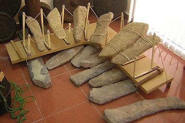 Vietnamese lithophone_Hanoi museum.jpg
