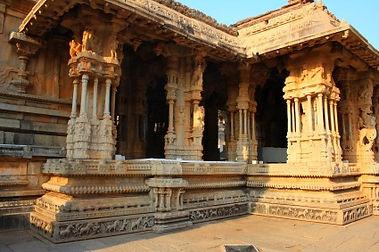 India_Vittala_musical-pillars.jpg