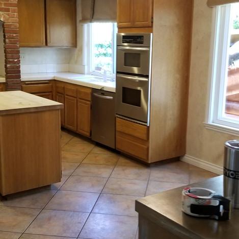 Before Kitchen Remodel in Santa Clarita,Ca