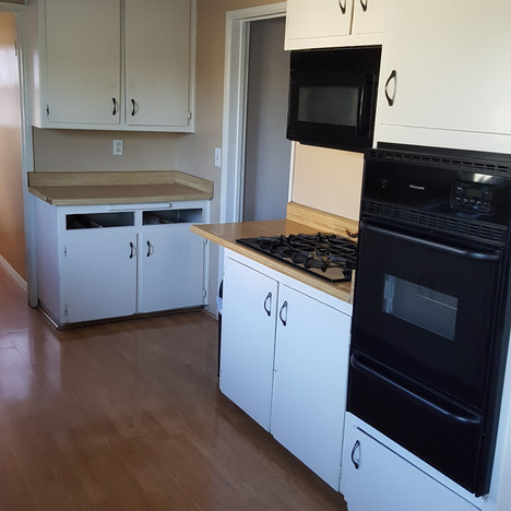 Before Kitchen Remodel in Chino,Ca