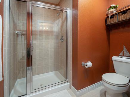 Bathroom 3 2.jpg