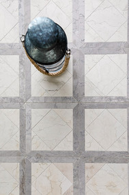 Parcell in Antique Blanc & Temple Gris