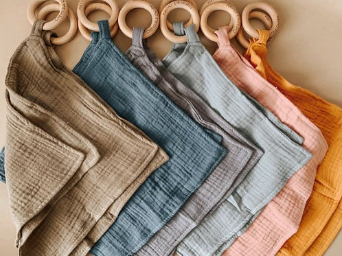 Muslin/Beachwood Teething Blanket