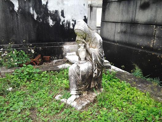 Weepig statue found in Lafayette cemetery