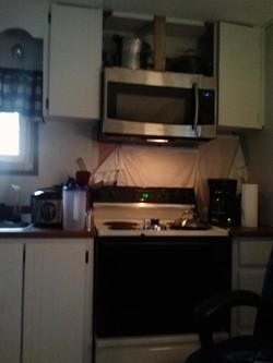 kitchen before 4.jpg