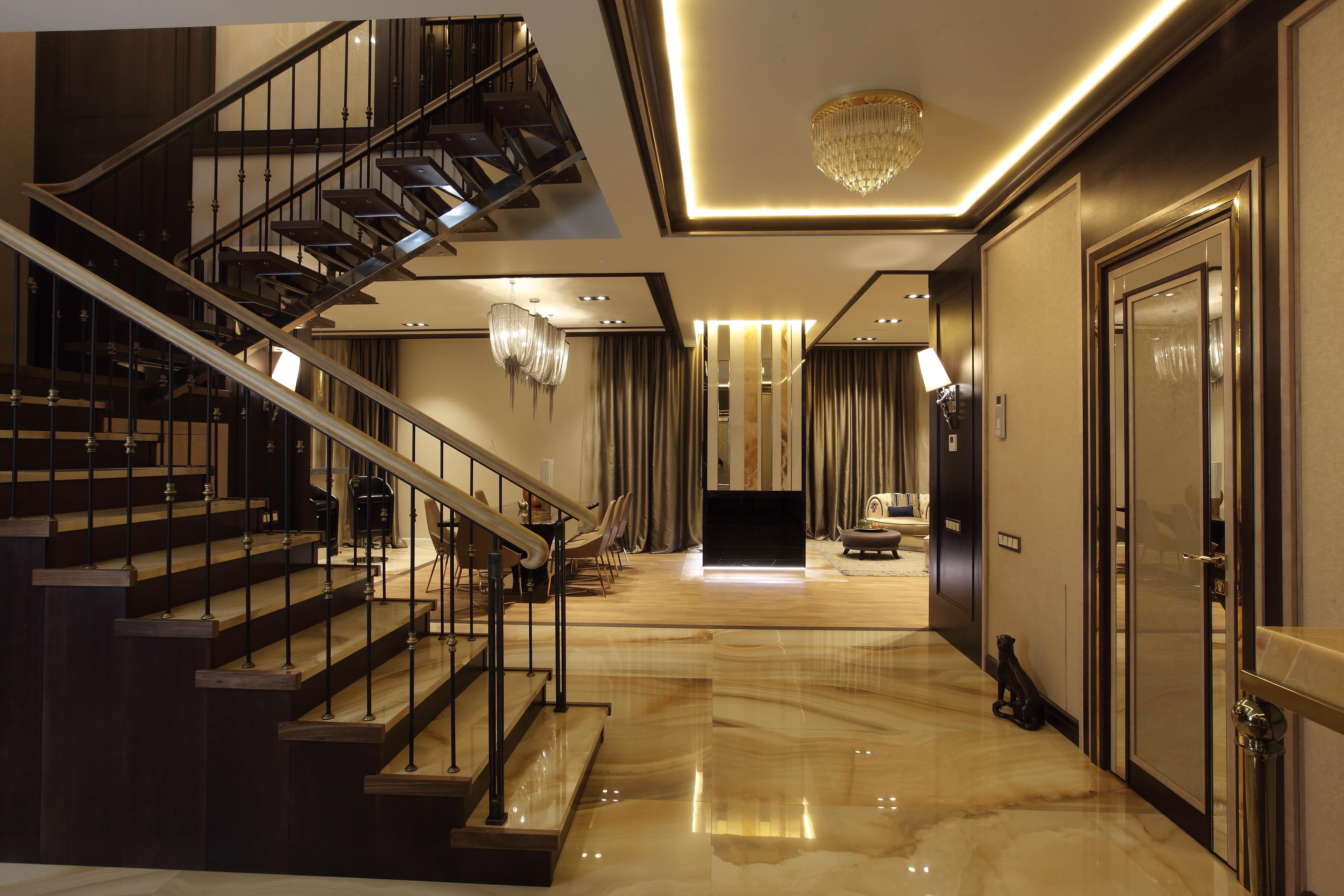 входной холл