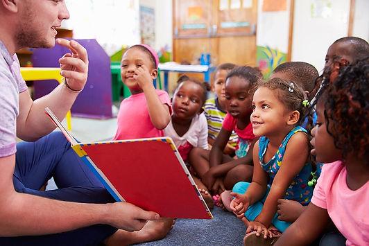 Crianças Aprendendo