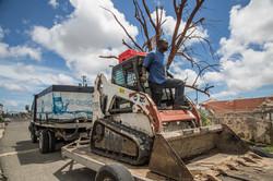 CleanupCrewinBarbuda2