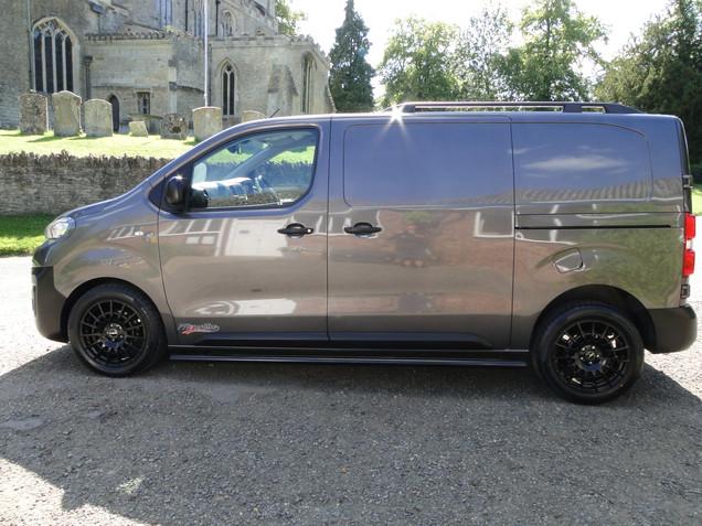 Black Polished side bar (Peugeot Expert)