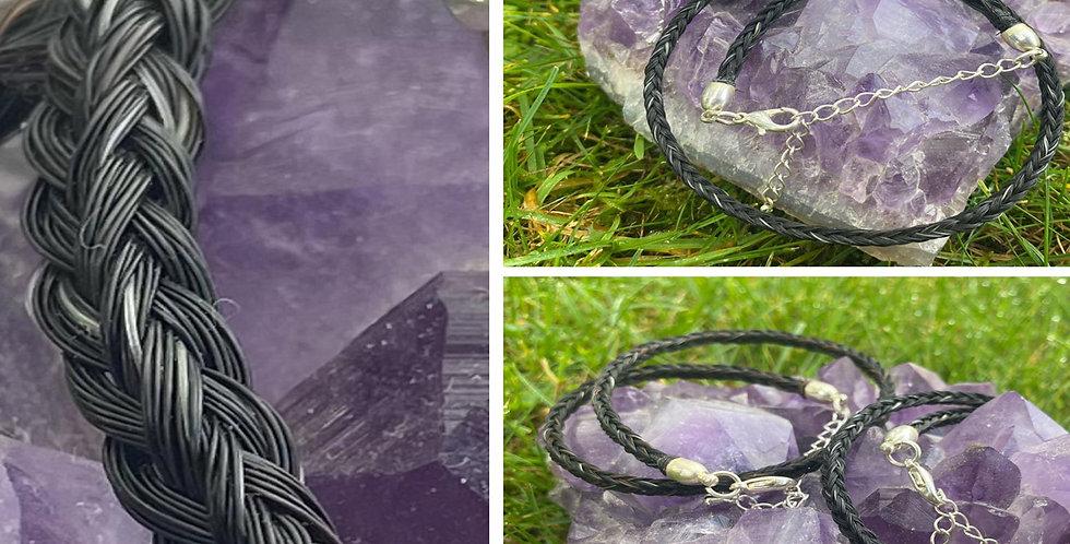 Schweifhaar-Armbänder – ein Geschenk von deinem Pferd.