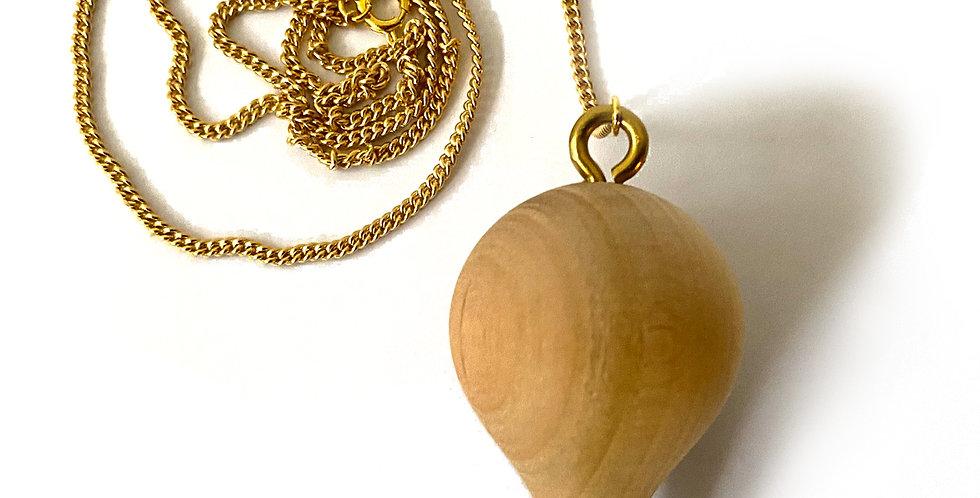 Pendel aus Kirschbaumholz