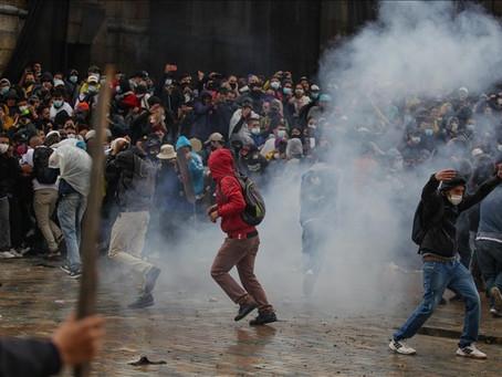 哥倫比亞反政府示威第8天 警察發射催淚彈鎮壓