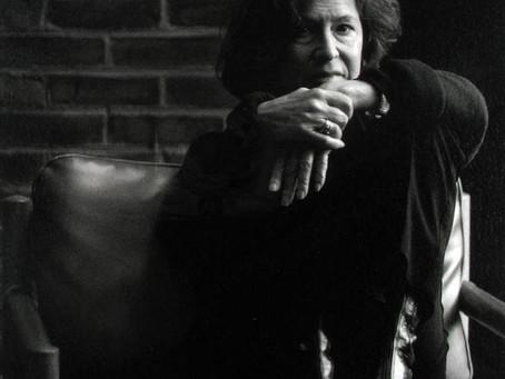 露易絲 · 格麗克:她的詩如詠嘆調蔓延於塵世