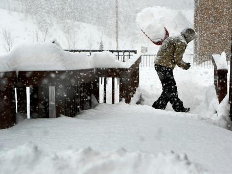 丹佛迎來了歷史性的 27.1 英寸降雪 成科州歷史上第四大降雪