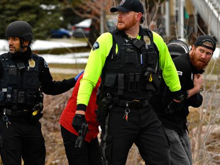 博爾德槍擊案:槍手在King Soopers 無差別射殺致10 人死亡