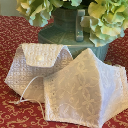 Lacy Elegance Mask with bag