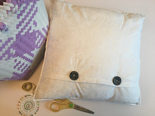 Cushion Cover with Buttons Workshop