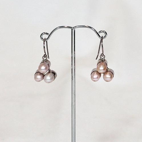 Pearlette earrings 1