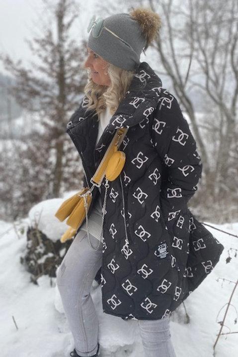 Stylische Jacke mit Reissverschluss und hohen Schalkragen