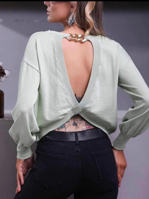 Sexy Pullover, hinten mit Goldkette