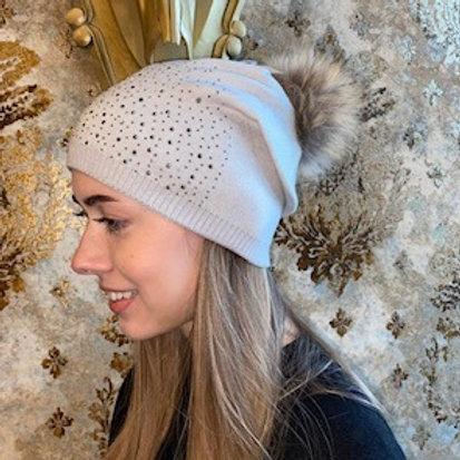 Mütze mit Echtfell Pommel