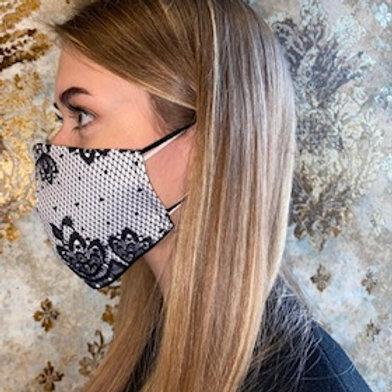 Trendige Maske