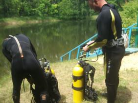 Калмыцкие водолазы в преддверии купального сезона проверяют дно водоемов