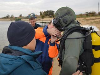Водолазы Центра гражданской защиты осуществили тренировочные погружения на Колонском пруду