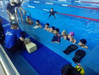 Акция «Научись плавать» шагает по Калмыкии