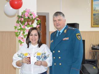 Спасатели Калмыкии поздравили женщин-сотрудниц с 8 марта!!!