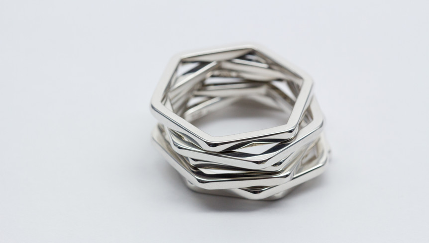 My ring it has six corners