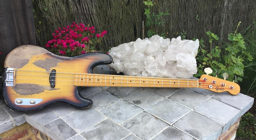 Fee bass