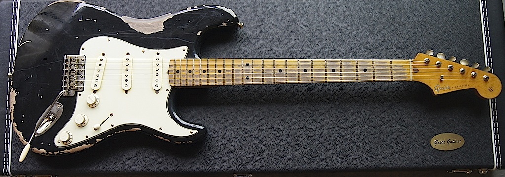 Stonecaster black