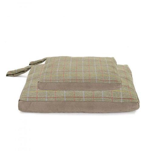 TweedMill Dog Bed Tweed / Silver Suede