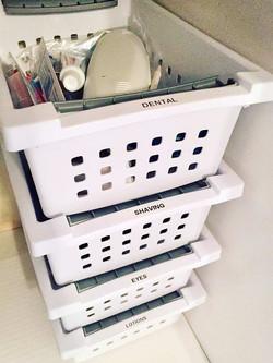 Simple bathroom cabinet solution