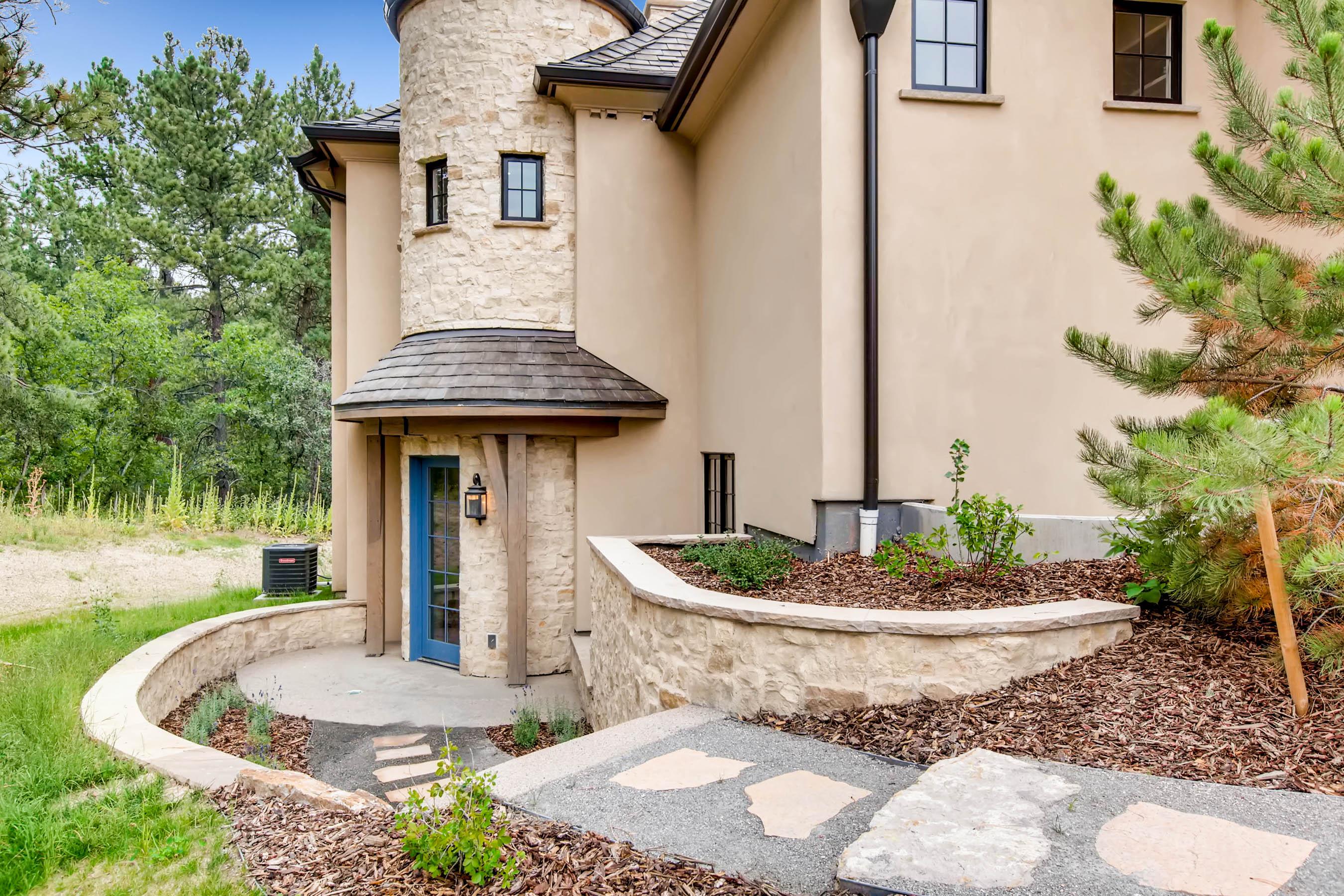 1209 Wildcat Bend Court Castle-print-038-32-Exterior Guest Front Entry-2700x1800-300dpi