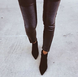 Black-leather inspiration street style