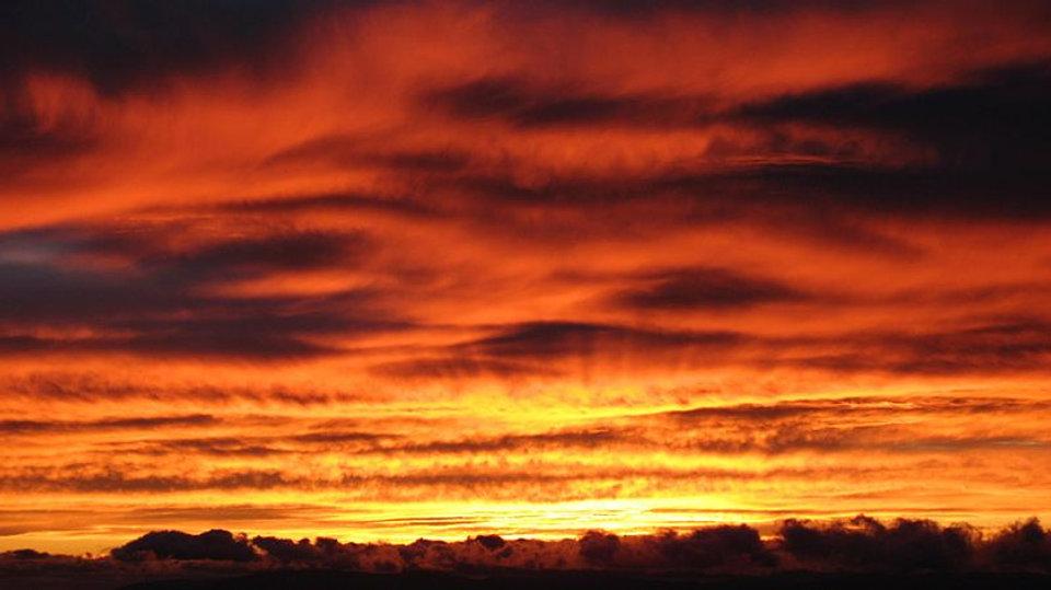 800px-Sunset_(2) wikimedia.jpg
