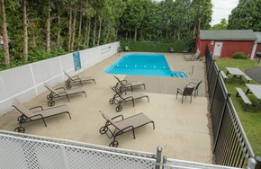 Ashley Arms Pool