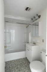 Ashley Arms Bathroom