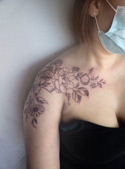 flower shoulderpiece