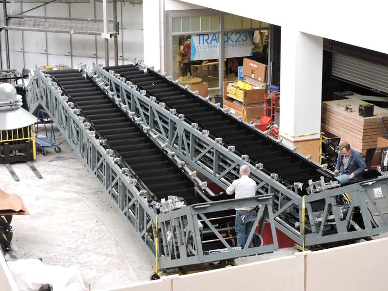 Escalator installation, 2015