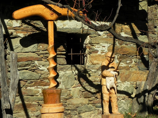 Chemp_scultura legno.jpg