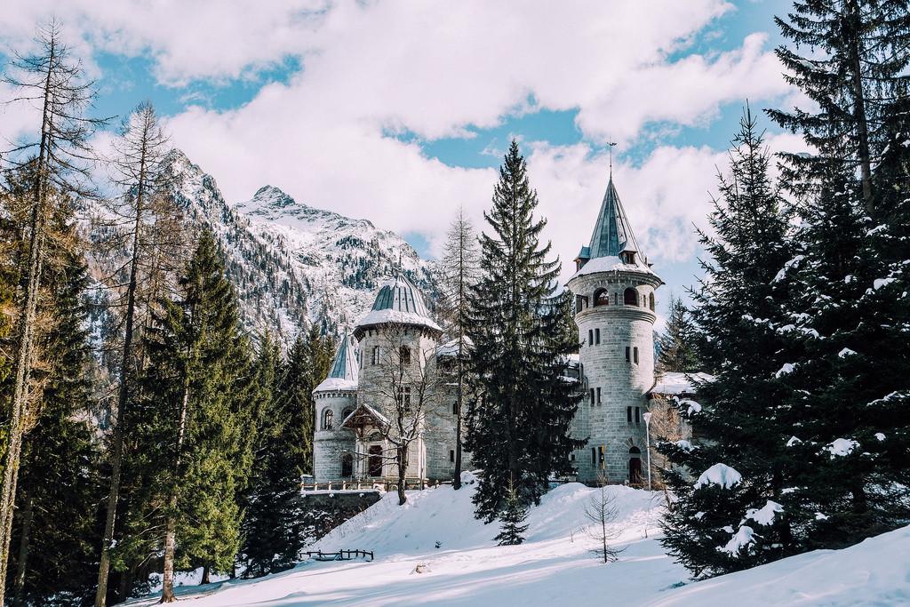 Castello Savoia_inverno.jpg